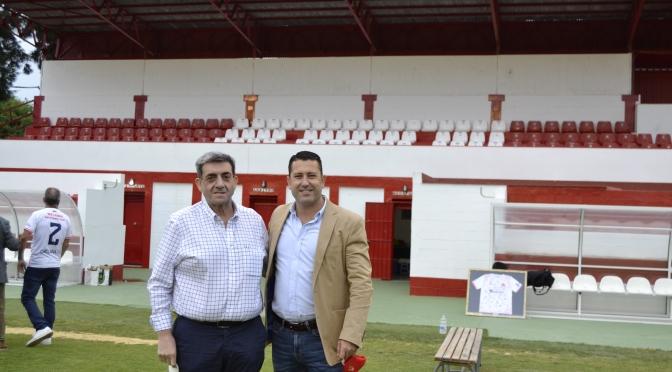 El presidente del Ciudad de Lucena visita el Municipal